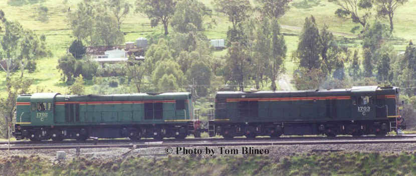 C 1702 & C1703 at Toodyay West whilst running around during the Avon Descent tour