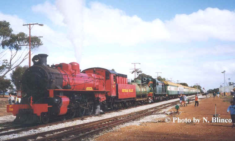 Its 100 yrs since the opening of the railway to Goomalling and our train headed by Pm 706 has just arrived.                                    ©Photo by N Blinco